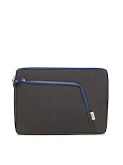 Vaunt Unisex Black Laptop Sleeve