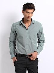 Wills Lifestyle Men Green & Black Checked Alanzo Classic Slim Shirt