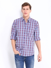 Wrangler Men Blue & White Checked Regular Fit Casual Shirt