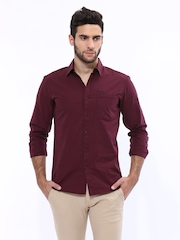 Wrangler Men Maroon Checked Slim Fit Casual Shirt