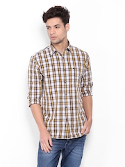Wrangler Men Yellow & Blue Checked Casual Shirt