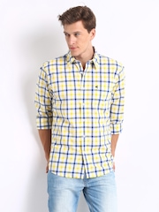 Wrangler Men Yellow & White Checked Benjamin Casual Shirt