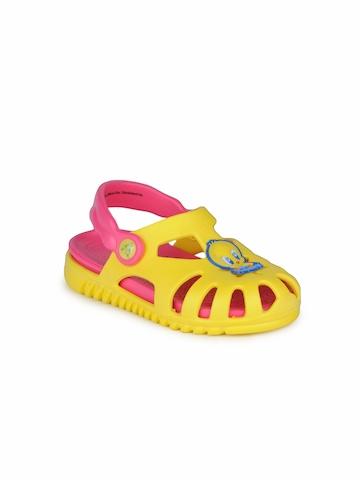 Warner Bros Kids Unisex Yellow Sandals