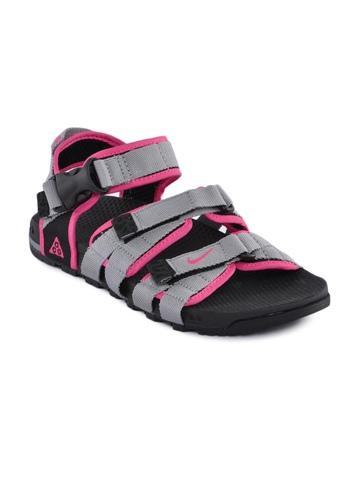 Nike Women Pink Air Deschutz Sandals