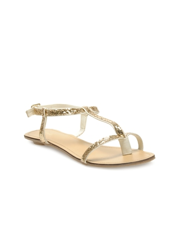 Catwalk Women Gold Toned Flats