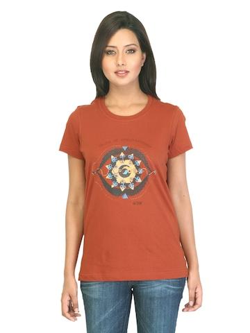 Urban Yoga Women Printed Rust T-shirt