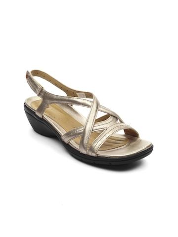 Clarks Women Un Spire Gold Metallic Sandals