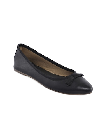 United Colors of Benetton Women Black Ballerinas