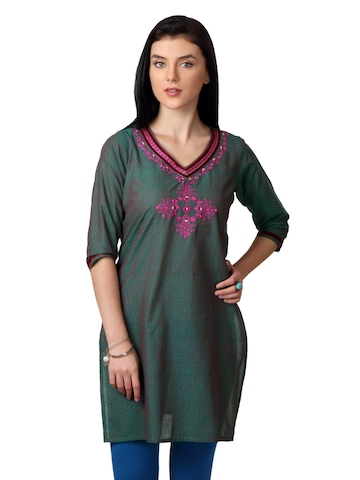 ALayna Women Green Kurta