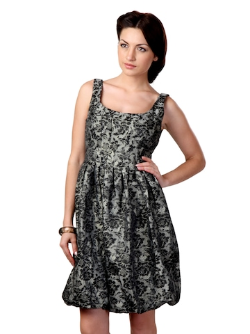 Avirate Women Black Dress