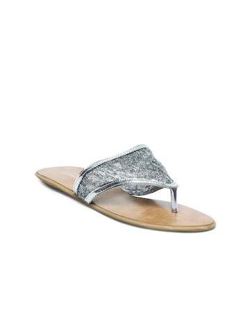 Catwalk Women Silver Toned Flats