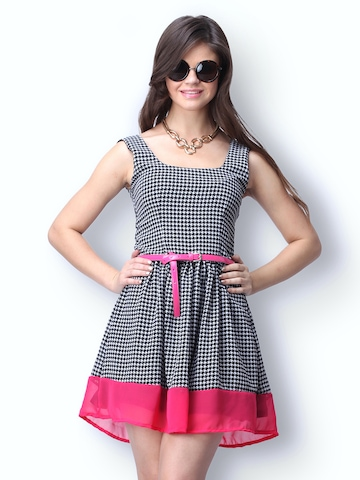 FabAlley Black & White Printed Houndstooth Hop Skater Dress at myntra