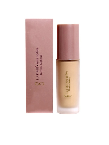 Lakme Nine to Five Flawless Makeup Shell Foundation