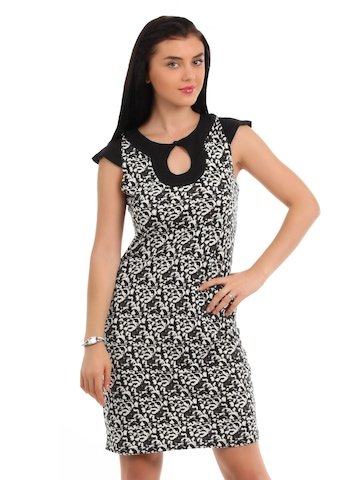 Latin Quarters Women & White Black Dress
