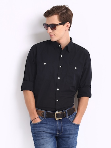 Roadster Men Black Slim Fit Casual Shirt at Rs 592 - Myntra 50% Off