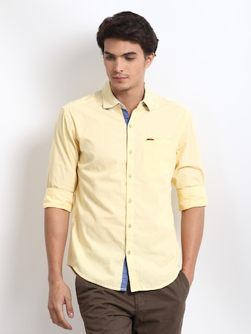 The Indian Garage Co Men White & Yellow Striped Slim Fit Casual Shirt