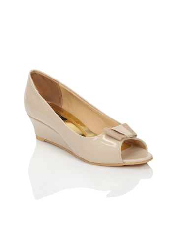 Rocia Women Beige Shoes