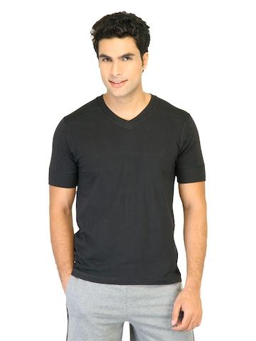 Hanes Men Black V DuoDry Body Fit V-Neck T-shirt