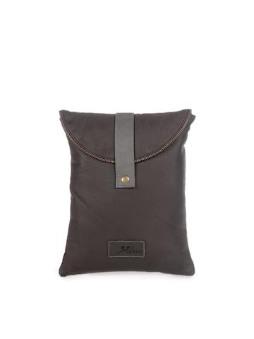 Yelloe Unisex Brown iPad Sleeve