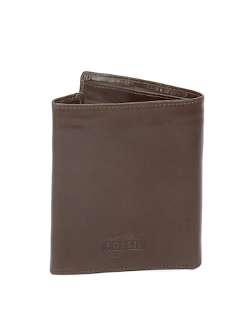 Fossil Men Brown Passport Holder With Wallet