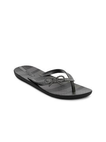 iPanema Women Grey Flip Flops