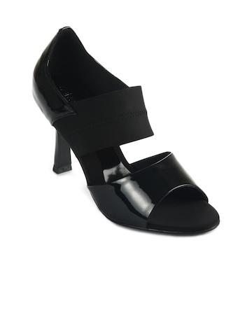 Catwalk Women Black Hees