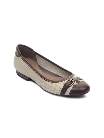 Clarks Women Henderson Fun Leather Brown Shoes