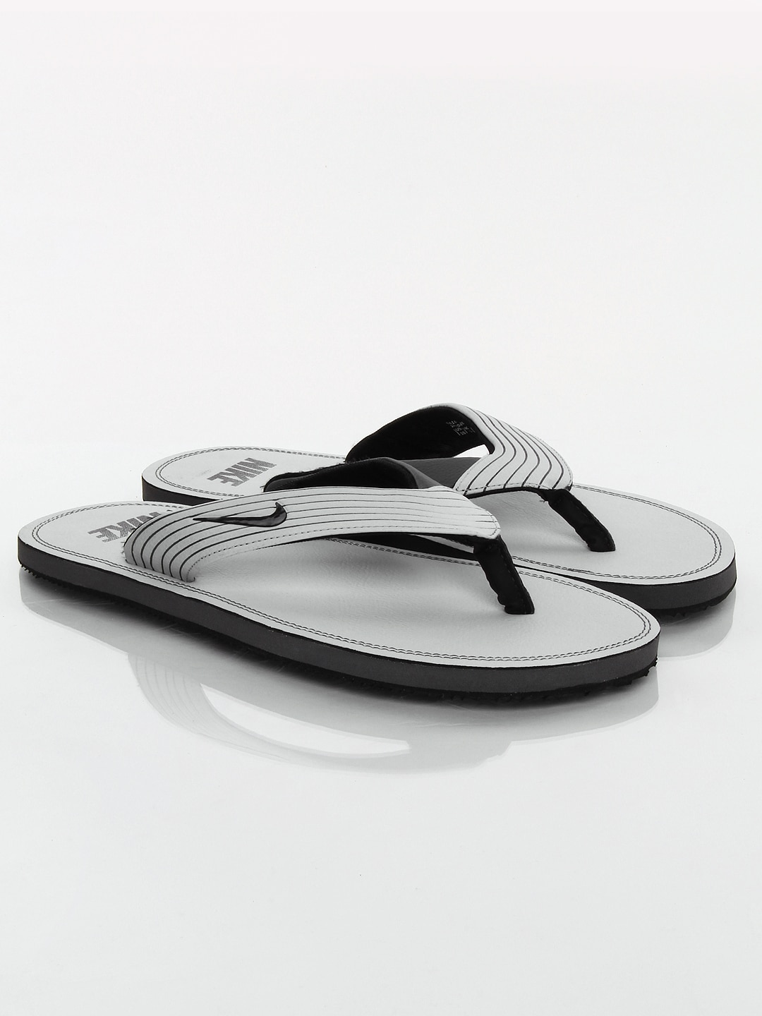 cheaper 86af5 dfc05 nike thong slippers online