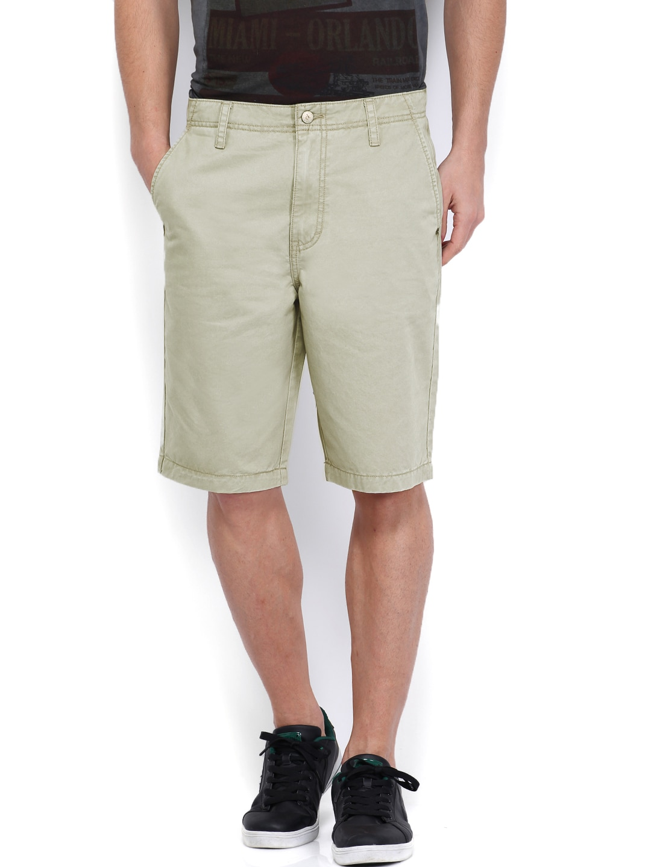 Calvin Klein Jeans Men Light Grey Shorts