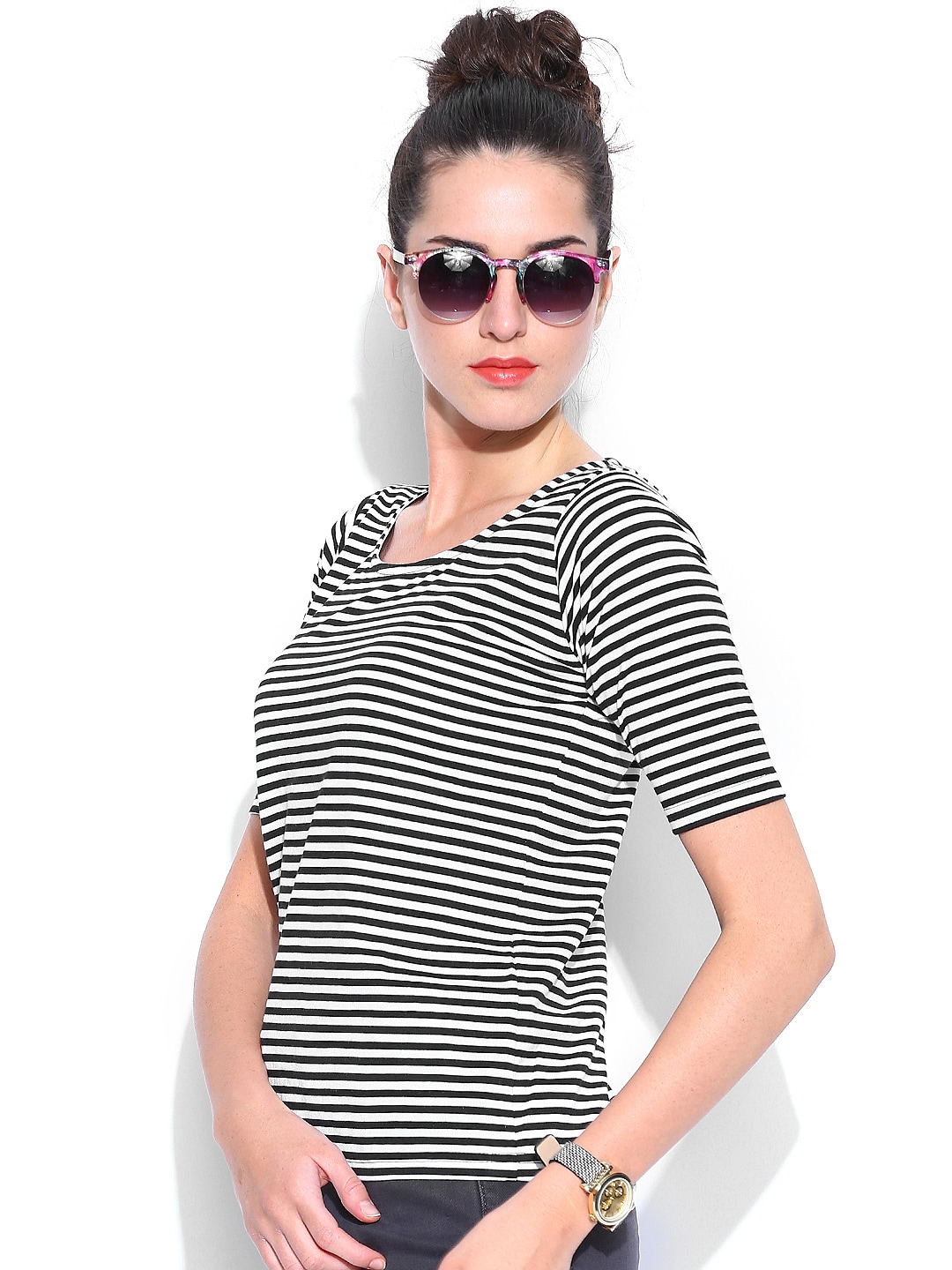 Black and white striped t shirt xxl - Black And White Striped T Shirt Xxl 25