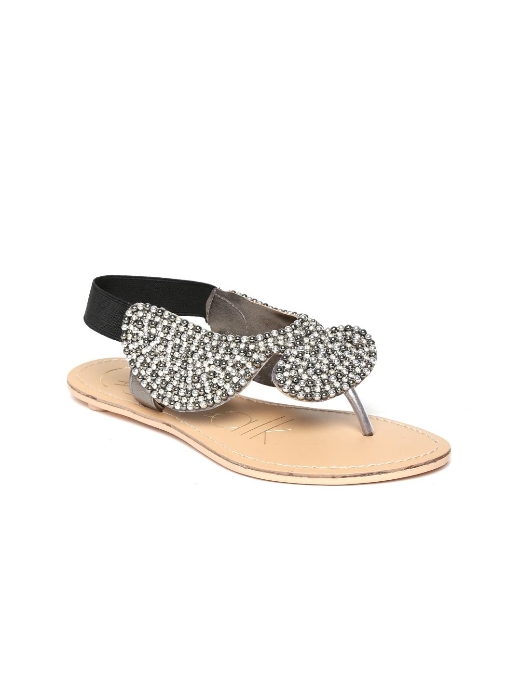 Catwalk Women Black & Silver-Toned Flats