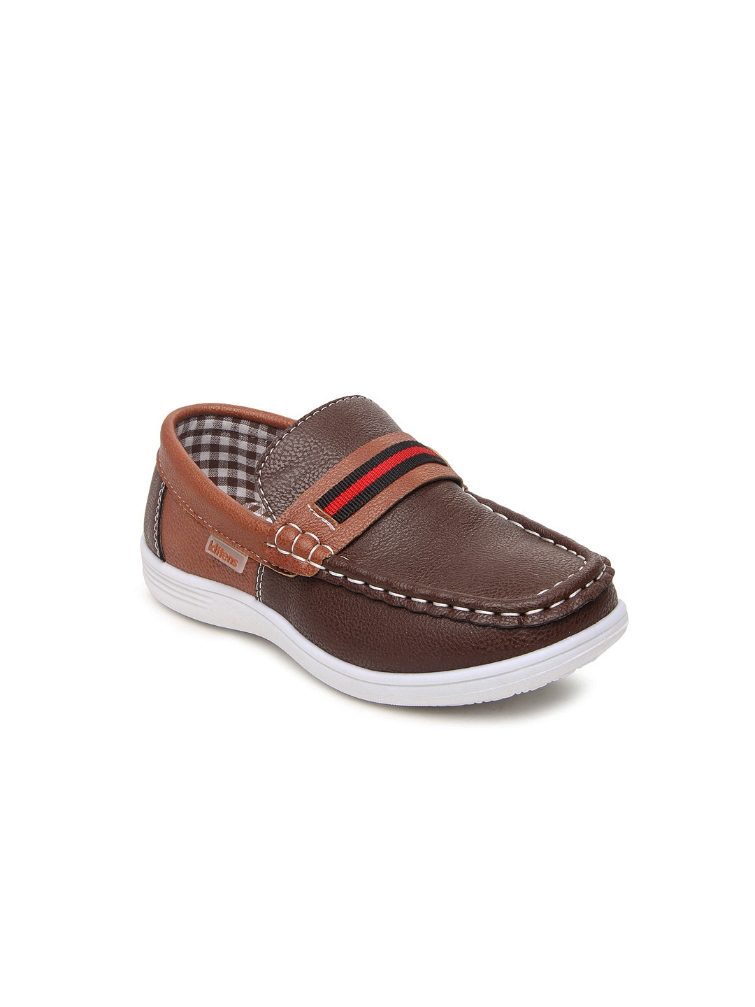 Discover the latest styles of boys' dress loafers from your favorite brands at Famous Footwear! Find the right fit today!