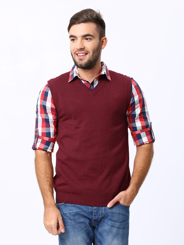 Levis Men Maroon Sleeveless Sweater