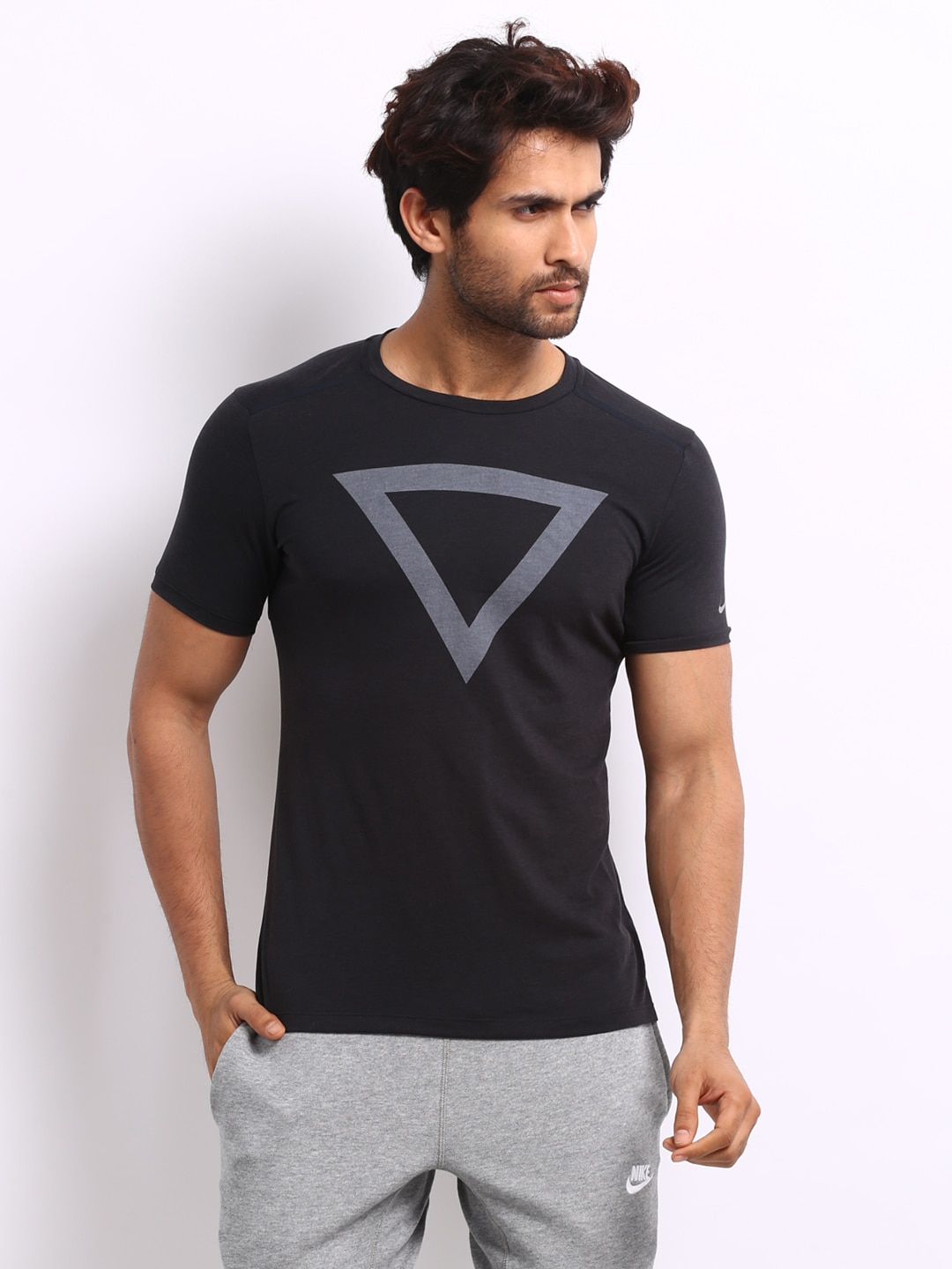 Buy Nike Men Black Tailwind Printed T Shirt - Tshirts for Men | Myntra