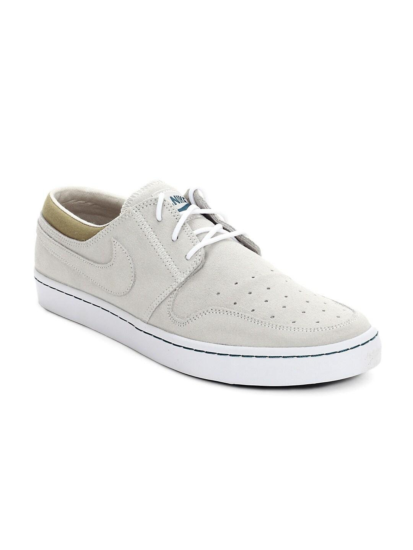 Nike Wardour Low Grey Sneakers