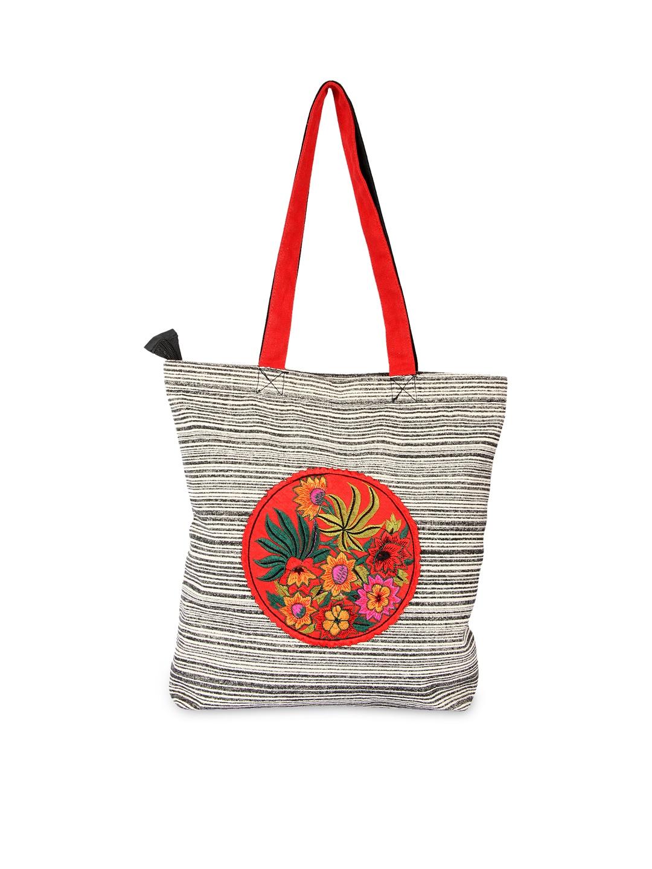 Pick Pocket Women Black & Off-White Printed Tote Bag