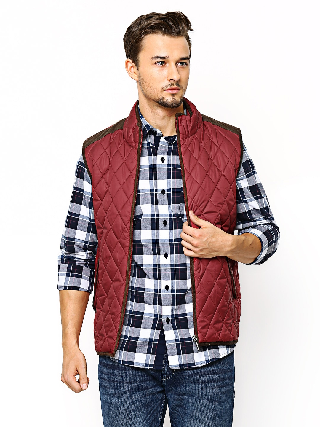 Wills Lifestyle Men Maroon Sleeveless Padded Jacket