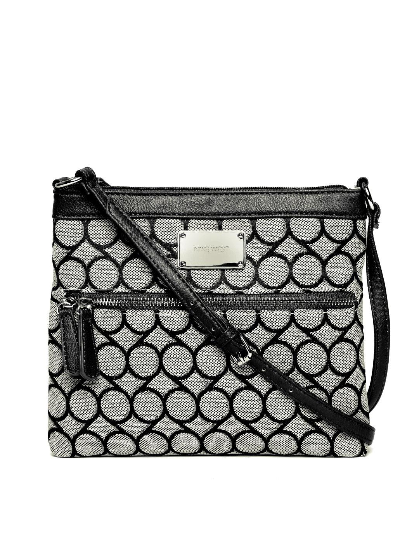 Sling bag nine west - Rs 2299