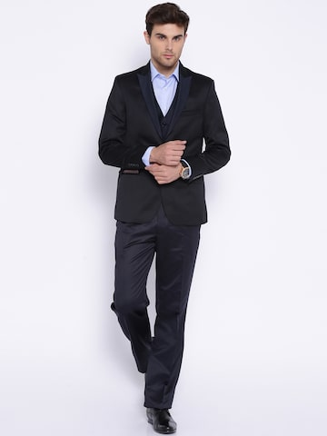 Arrow Black Single-Breasted Suit at myntra