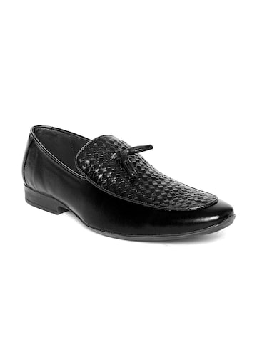 San Frissco Men Black Textured Semiformal Shoes at myntra