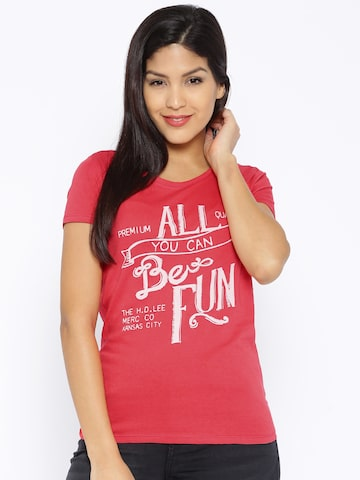 Lee Pink Printed T-shirt at myntra