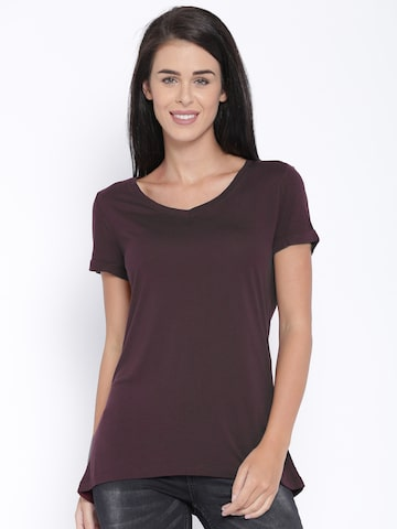 ONLY Women Burgundy Solid V-Neck T-Shirt at myntra