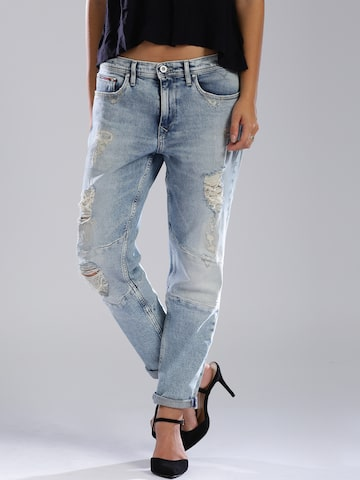 Tommy Hilfiger Blue Low-Rise Girlfriend Claire Tapered Fit Jeans at myntra