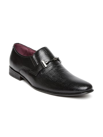 San Frissco Men Black Textured Leather Semiformal Shoes at myntra