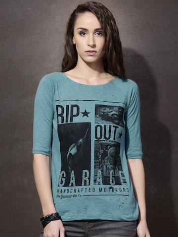 Roadster Women Blue Printed Boat Neck T-shirt at myntra