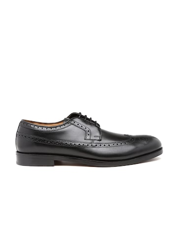 Clarks Men Black Coling Limit Leather Brogues at myntra