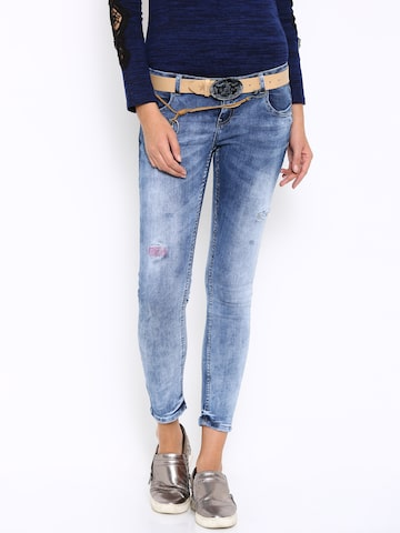 Deal Jeans Women Blue Slim Fit Mid-Rise Clean Look Jeans at myntra