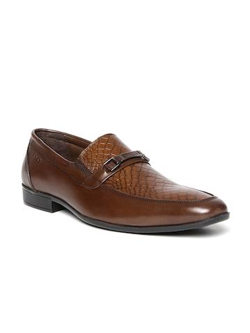 Lee Cooper Men Brown Pointy-Toed Genuine Leather Textured Semiformal Slip-Ons at myntra