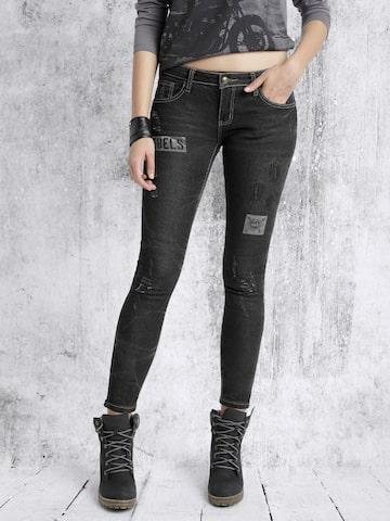 Roadster Women Black Slim Fit Mildly Distressed Jeans at myntra