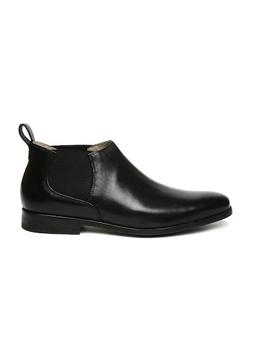 Clarks Men Black Solid Amieson Leather Flat Boots at myntra